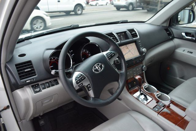 2012 Toyota Highlander Limited Richmond Hill, New York 22