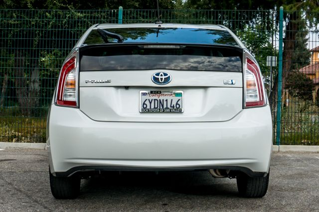 2012 Toyota Prius Five - 60K Miles - NAVI - BACK UP CAMERA - PWR STS Reseda, CA 8