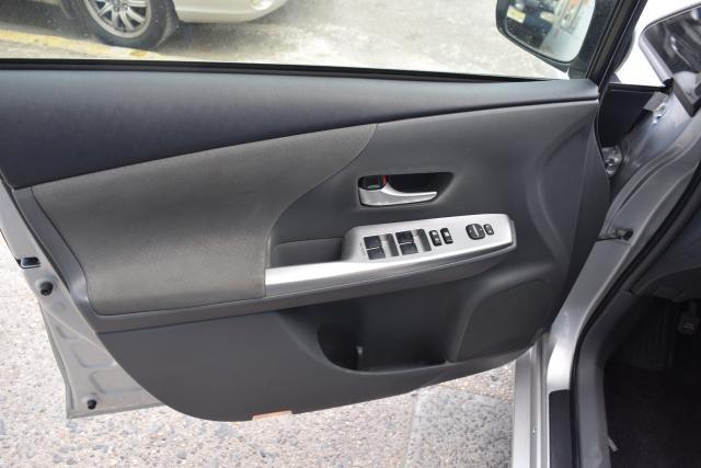 2012 Toyota Prius v 5dr Wgn Three (GS) Richmond Hill, New York 4