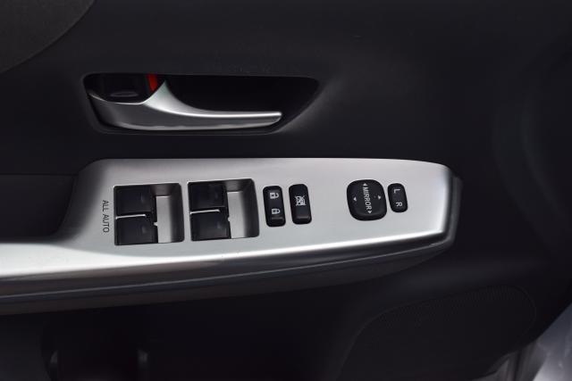 2012 Toyota Prius v 5dr Wgn Three (GS) Richmond Hill, New York 5