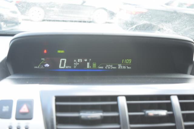 2012 Toyota Prius v 5dr Wgn Three (GS) Richmond Hill, New York 7