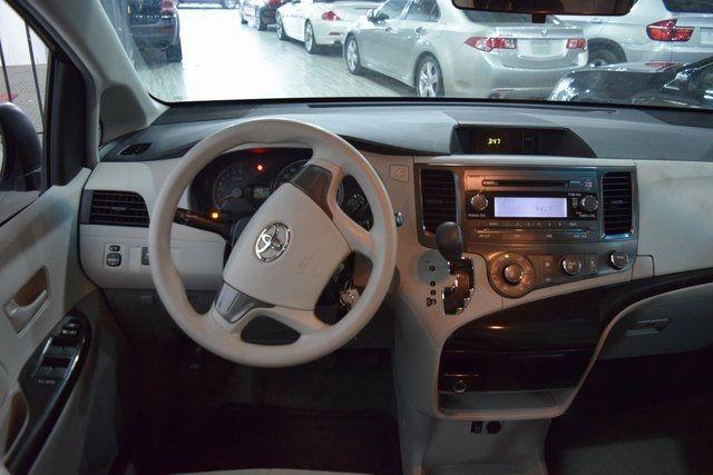 2012 Toyota Sienna Richmond Hill, New York 10