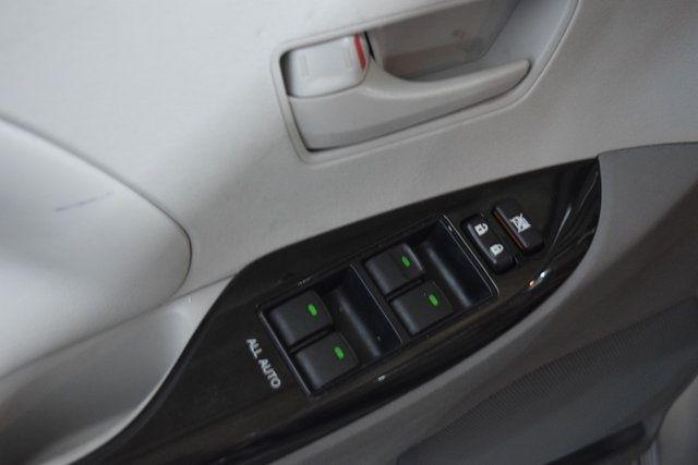 2012 Toyota Sienna Richmond Hill, New York 12
