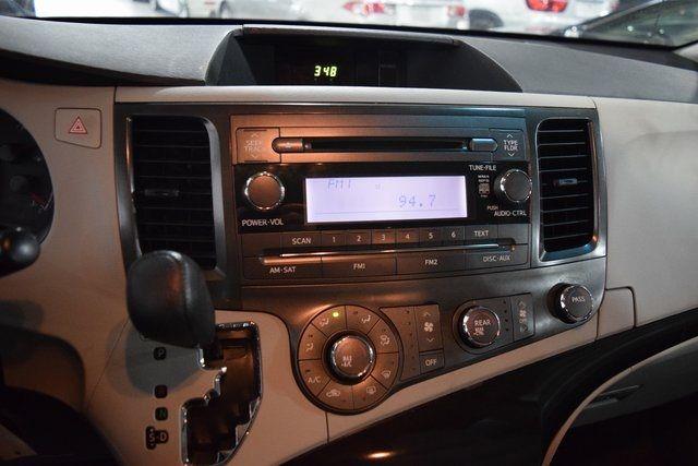 2012 Toyota Sienna Richmond Hill, New York 15
