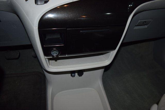 2012 Toyota Sienna Richmond Hill, New York 16