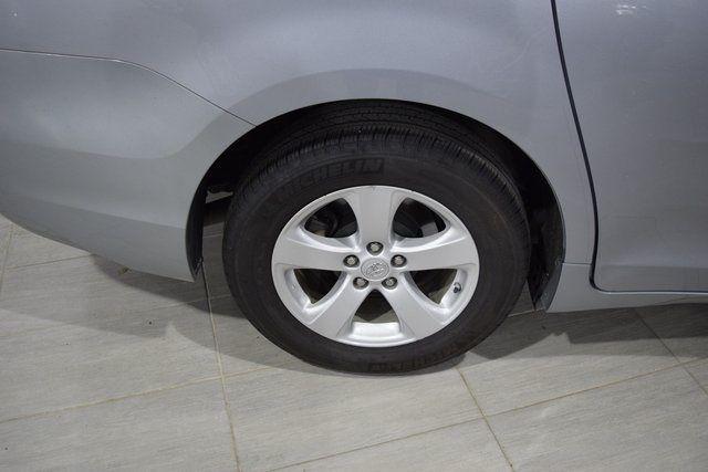 2012 Toyota Sienna Richmond Hill, New York 5