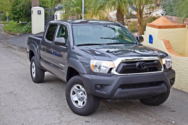 2012 Toyota TACOMA PRERUNNER DOUBLE CREW CAB AUTOMATIC ONLY 53K MLS 1-OWNER Woodland Hills, CA 29