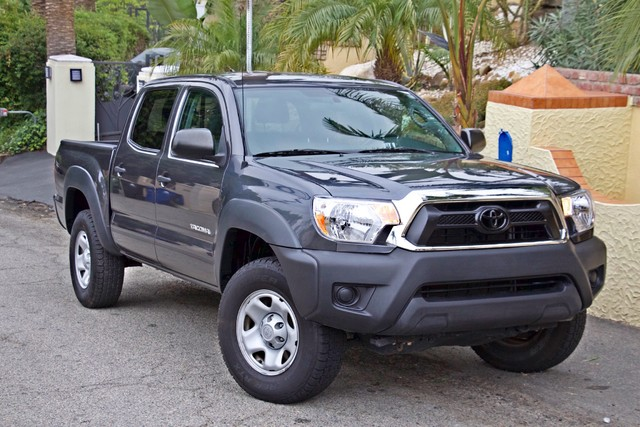 2012 Toyota TACOMA PRERUNNER DOUBLE CREW CAB AUTOMATIC ONLY 53K MLS 1-OWNER Woodland Hills, CA 5