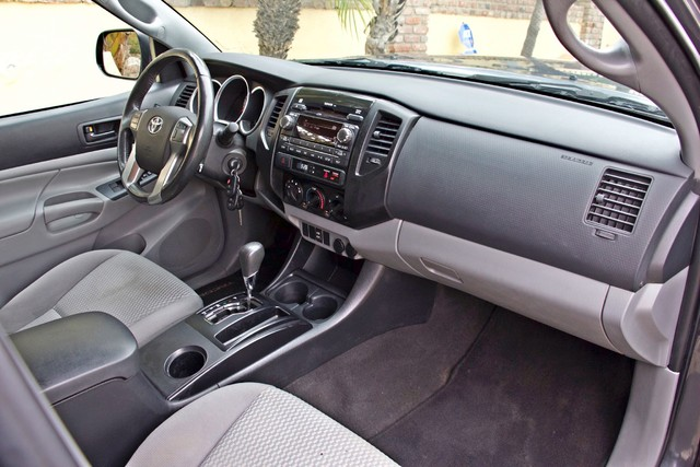2012 Toyota TACOMA PRERUNNER DOUBLE CREW CAB AUTOMATIC ONLY 53K MLS 1-OWNER Woodland Hills, CA 28