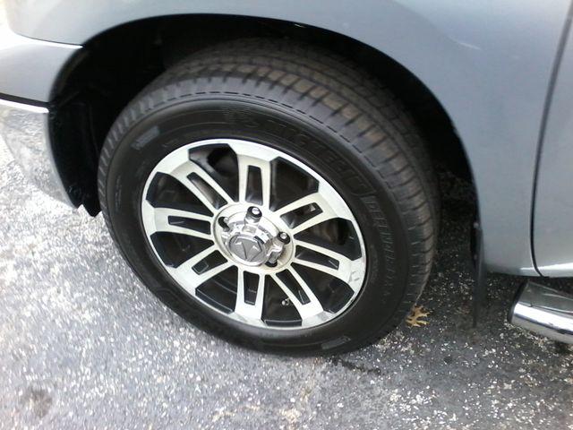 2012 Toyota Tundra San Antonio, Texas 32