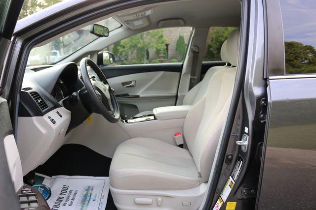 2012 Toyota Venza LE Mooresville, North Carolina 8