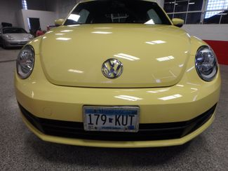 2012 Volkswagen Beetle 2.5L BEAUTY! LOW LOW  MILES!~ LIKE NEW!~ Saint Louis Park, MN 22