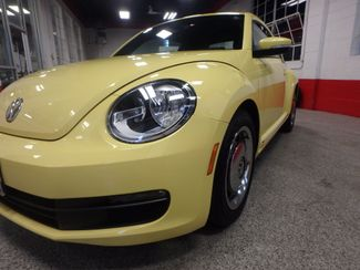 2012 Volkswagen Beetle 2.5L BEAUTY! LOW LOW  MILES!~ LIKE NEW!~ Saint Louis Park, MN 23
