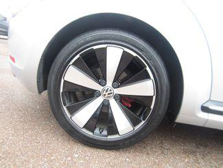 2012 Volkswagen Beetle 2.0T Turbo w/Sound/Nav PZEV Batesville, Mississippi 17