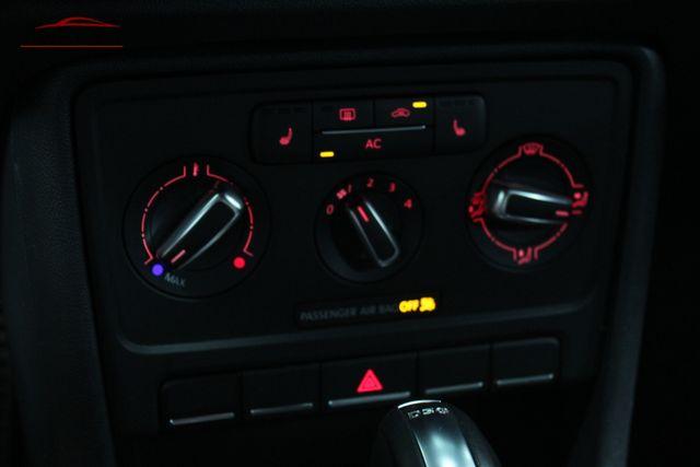 2012 Volkswagen Beetle 2.0T Turbo w/Sound/Nav PZEV Merrillville, Indiana 20