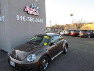 2012 Volkswagen Beetle 2.5L PZEV Sacramento, CA 1