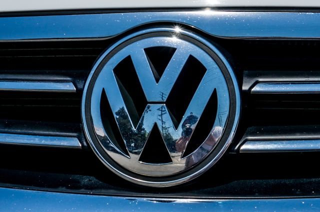 2012 Volkswagen CC Sport - 6SPD - LTHR - 89K MILES - HTD STS Reseda, CA 40