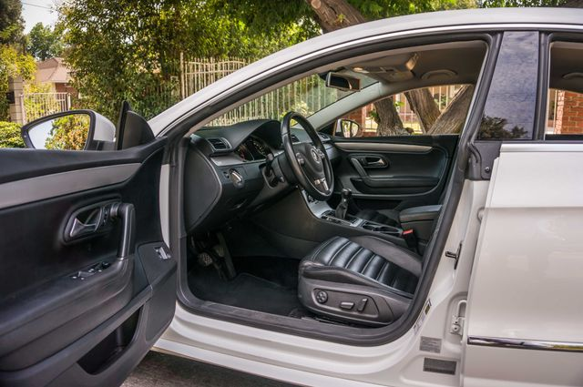 2012 Volkswagen CC Sport - 6SPD - LTHR - 89K MILES - HTD STS Reseda, CA 13