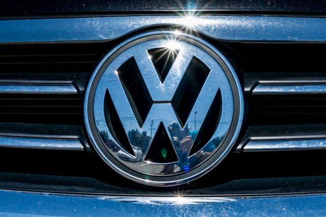 2012 Volkswagen CC  Sport PZEV - AUTO - 49K MILES - HTD STS Reseda, CA 42