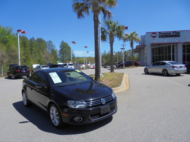 2012 Volkswagen Eos Komfort DISCLOSURE Internet pricing is subject to change daily It is a BUY-O