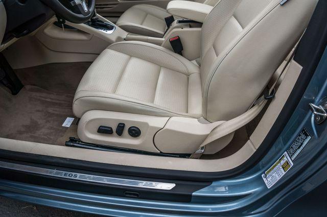 2012 Volkswagen Eos Komfort Reseda, CA 22