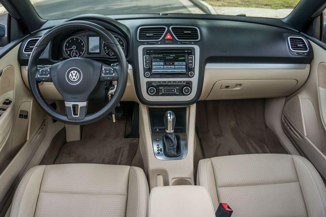 2012 Volkswagen Eos Komfort Reseda, CA 26