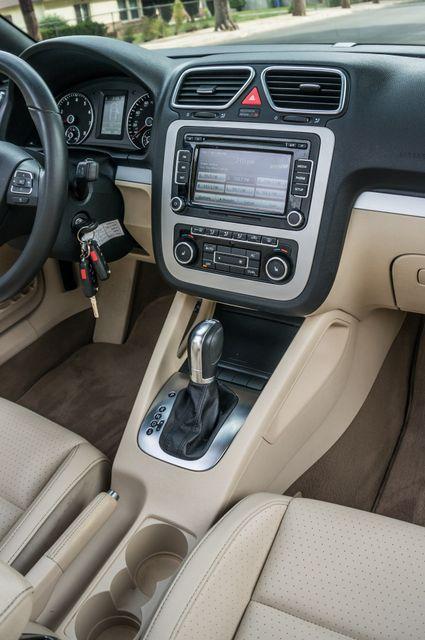 2012 Volkswagen Eos Komfort Reseda, CA 30
