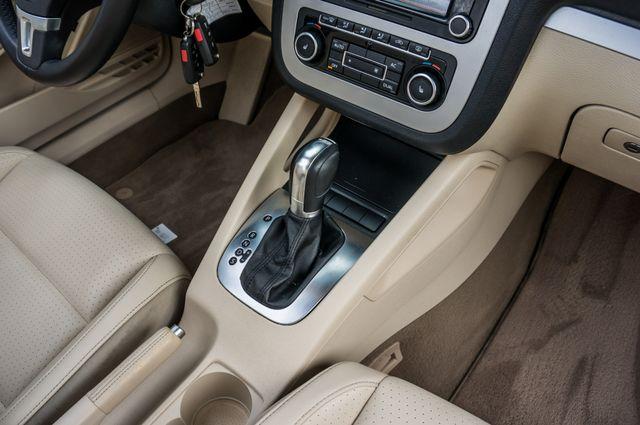 2012 Volkswagen Eos Komfort Reseda, CA 36