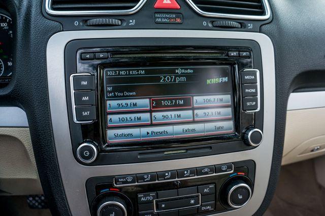 2012 Volkswagen Eos Komfort Reseda, CA 34