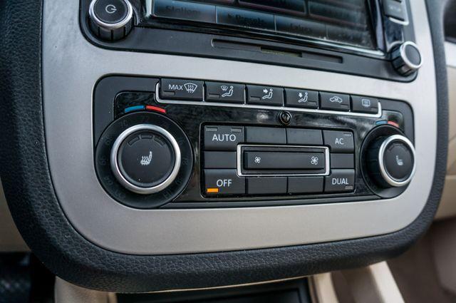2012 Volkswagen Eos Komfort Reseda, CA 35
