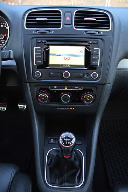 2012 Volkswagen GTI AUTOBAHN 2.0T NAVIGATION 1-OWNER LEATHER MANUAL ALLOY WHLS SERVICE RECORDS! Woodland Hills, CA 19