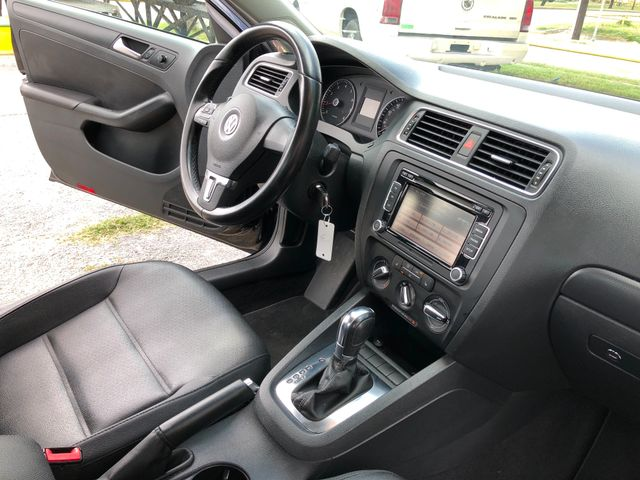 2012 Volkswagen Jetta SE w/Convenience & Sunroof Houston, TX 14