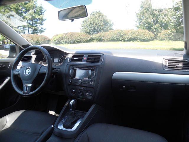 2012 Volkswagen Jetta SEL w/Sunroof PZEV Leesburg, Virginia 11