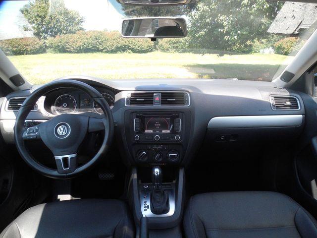 2012 Volkswagen Jetta SEL w/Sunroof PZEV Leesburg, Virginia 12