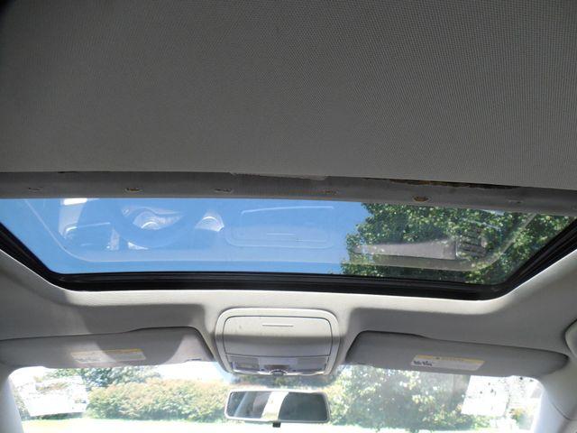 2012 Volkswagen Jetta SEL w/Sunroof PZEV Leesburg, Virginia 13