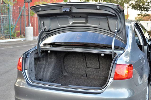 2012 Volkswagen Jetta SE w/Convenience PZEV Reseda, CA 18