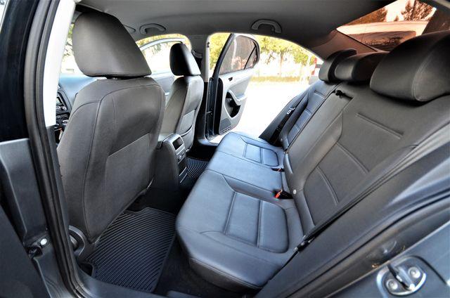 2012 Volkswagen Jetta SE w/Convenience PZEV Reseda, CA 23