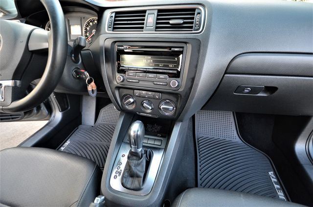 2012 Volkswagen Jetta SE w/Convenience PZEV Reseda, CA 31
