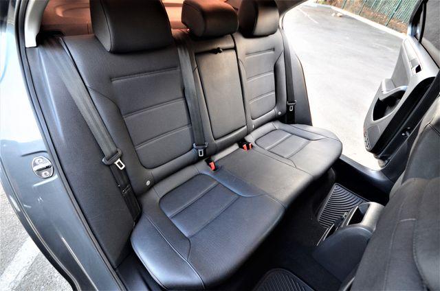 2012 Volkswagen Jetta SE w/Convenience PZEV Reseda, CA 39