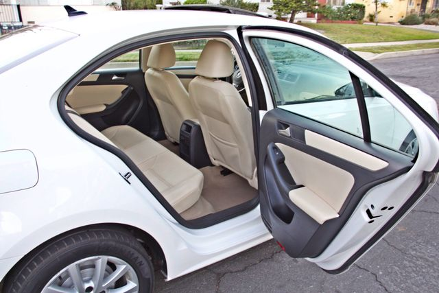 2012 Volkswagen JETTA SE W/CONVENIENCE ONLY 85K MLS SUNROOF LEATHER SERVICE RECORDS! Woodland Hills, CA 20