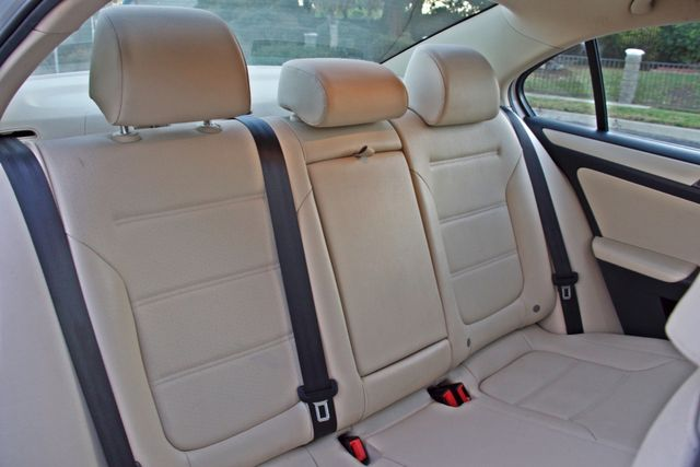 2012 Volkswagen JETTA SE W/CONVENIENCE ONLY 85K MLS SUNROOF LEATHER SERVICE RECORDS! Woodland Hills, CA 23