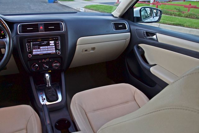 2012 Volkswagen JETTA SE W/CONVENIENCE ONLY 85K MLS SUNROOF LEATHER SERVICE RECORDS! Woodland Hills, CA 15