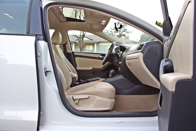 2012 Volkswagen JETTA SE W/CONVENIENCE ONLY 85K MLS SUNROOF LEATHER SERVICE RECORDS! Woodland Hills, CA 17