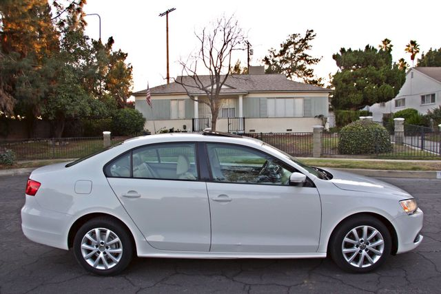2012 Volkswagen JETTA SE W/CONVENIENCE ONLY 85K MLS SUNROOF LEATHER SERVICE RECORDS! Woodland Hills, CA 5