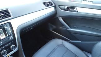 2012 Volkswagen Passat SE w/Sunroof Nav PZEV East Haven, CT 8