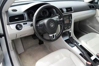 2012 Volkswagen Passat SE Hialeah, Florida 10
