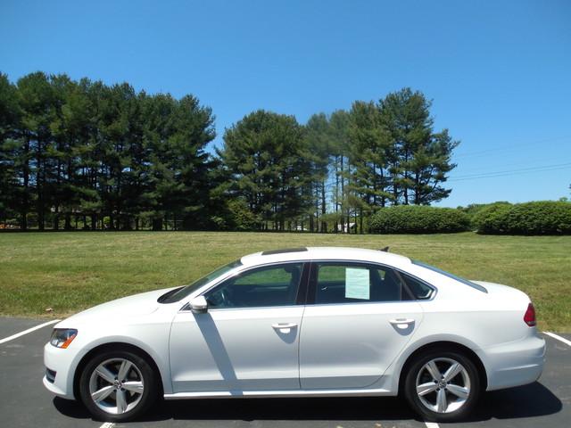 2012 Volkswagen Passat SE w/Sunroof  Nav Leesburg, Virginia 7