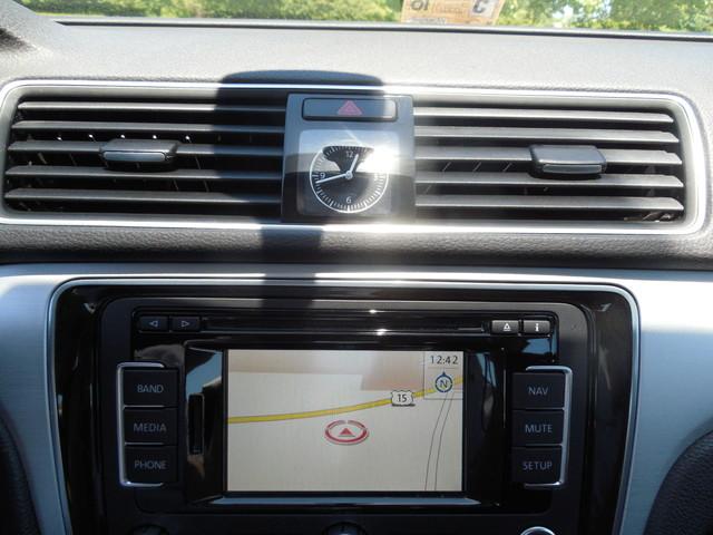 2012 Volkswagen Passat SE w/Sunroof  Nav Leesburg, Virginia 18