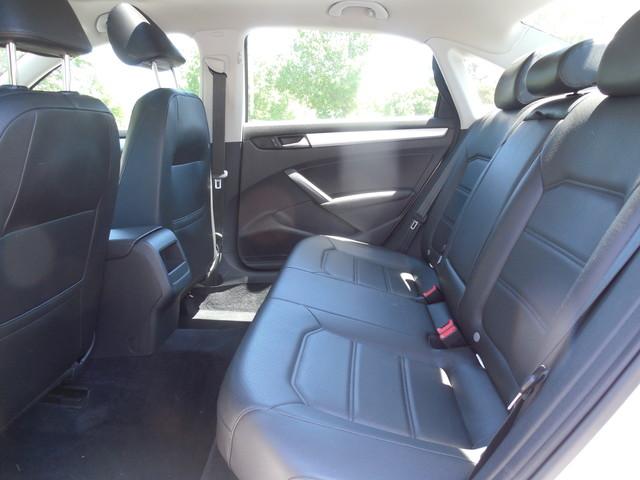 2012 Volkswagen Passat SE w/Sunroof  Nav Leesburg, Virginia 10