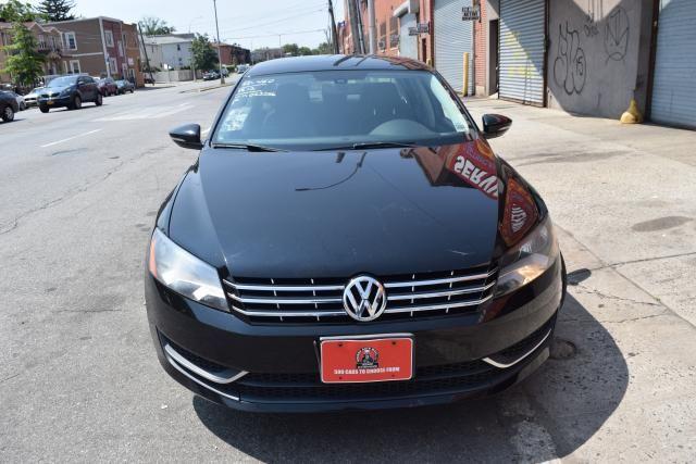2012 Volkswagen Passat SE Richmond Hill, New York 2